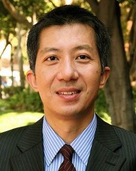 """USC Annenberg professor Jian """"Jay"""" Wang"""